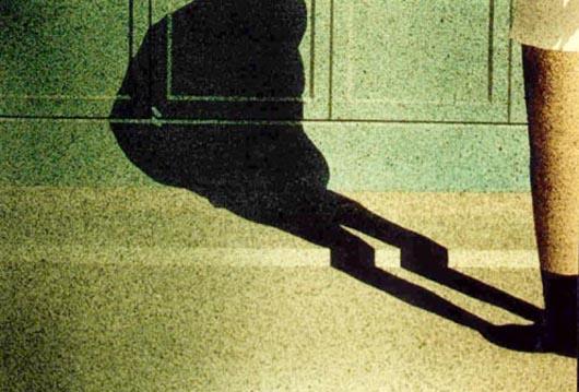 L'ombra, 2001, tecnica mista su carta, cm 36x51