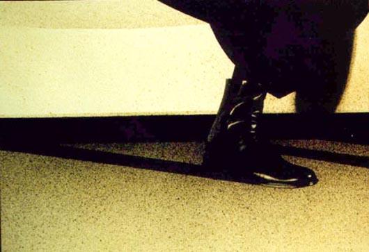 Stivaletto nero, 2002, tecnica mista su carta, cm 36x51