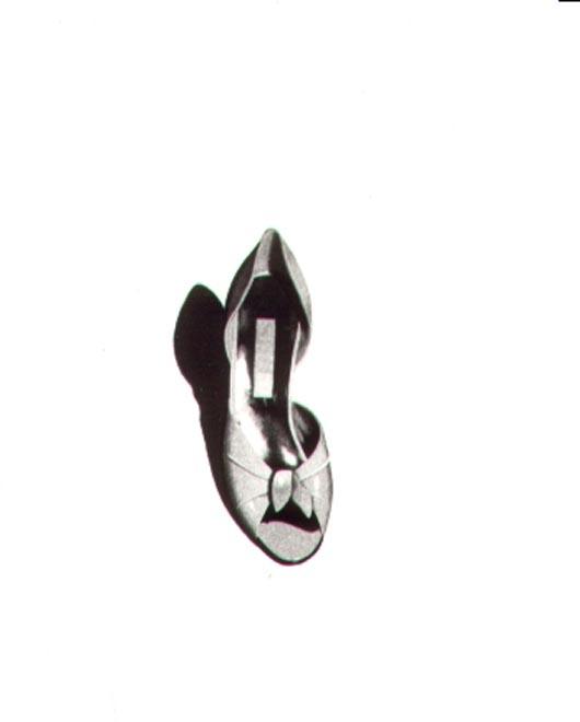 Scarpa con fiocco, 1983, acquerello, cm 20x30